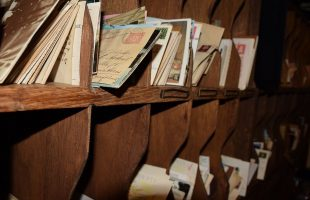 Why You Must Use a Cash Envelope System to Manage Your Money