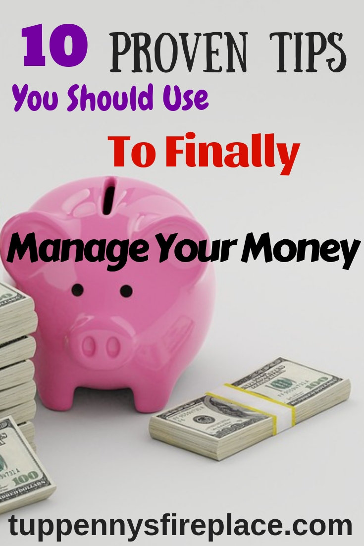 Do you want to know how to budget and save money? Read how to live on a tight budget that helps you pay off your debt and provides the best way to save money for your family's future. #budget #debtfree #budgeting #moneysavingideas