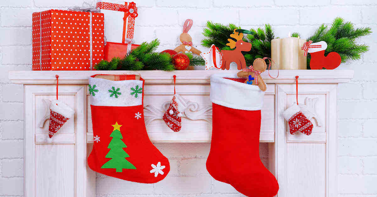 These stocking stuffers are just the thing for last minute Christmas gifts. There's a Christmas stocking present for everyone. #stockingstuffers #stockingpresents #christmaspresents #christmasgifts