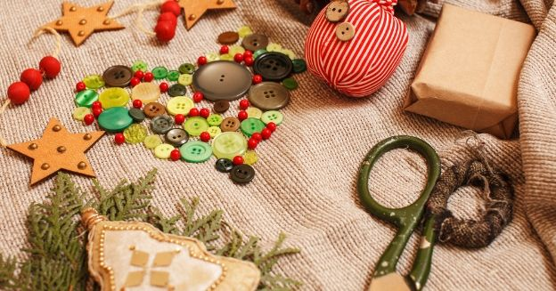 24 Easy Recycled Gift Ideas Your Family